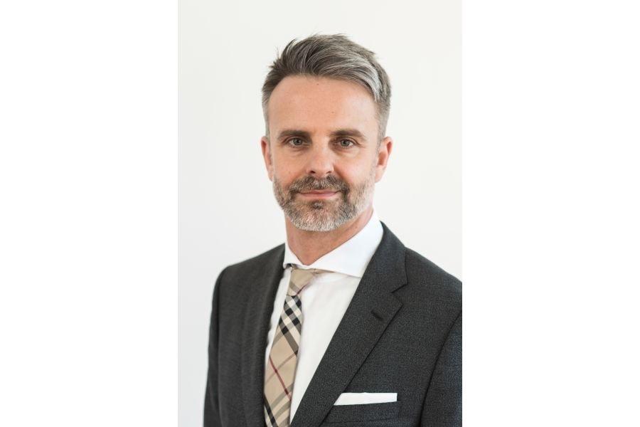 Müller wieder unter Vertrag Management Handel