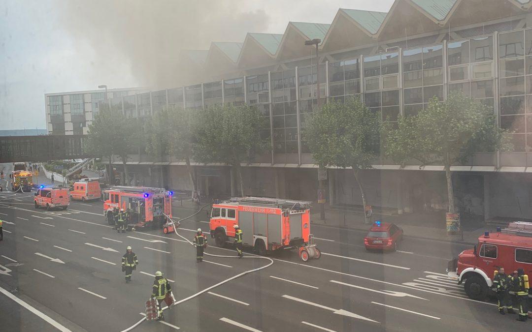 Rauch und Feuerwehr in Mainz SHK Jahres-Kongress auf der Kippe